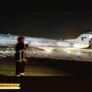 جزئیات فرود موفق فوکر هما در باند مهرآباد بدون چرخ/ همه ۲۴ مسافر سالم هستند