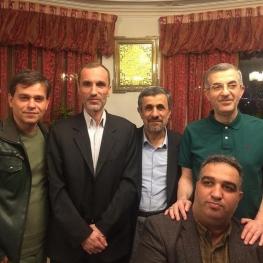 محمود احمدی نژاد با  اسفندیار رحیم مشایی و حمید بقایی دیدار کرد.