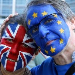 امروز دهها هزار تن از مخالفان برگزیت از نقاط مختلف بریتانیا در مرکز لندن راهپیمایی میکنند