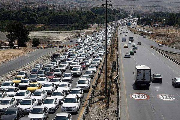 ترافیک پرحجم در ۴ محور مواصلاتی کشور/جاده هزار همچنان بسته است