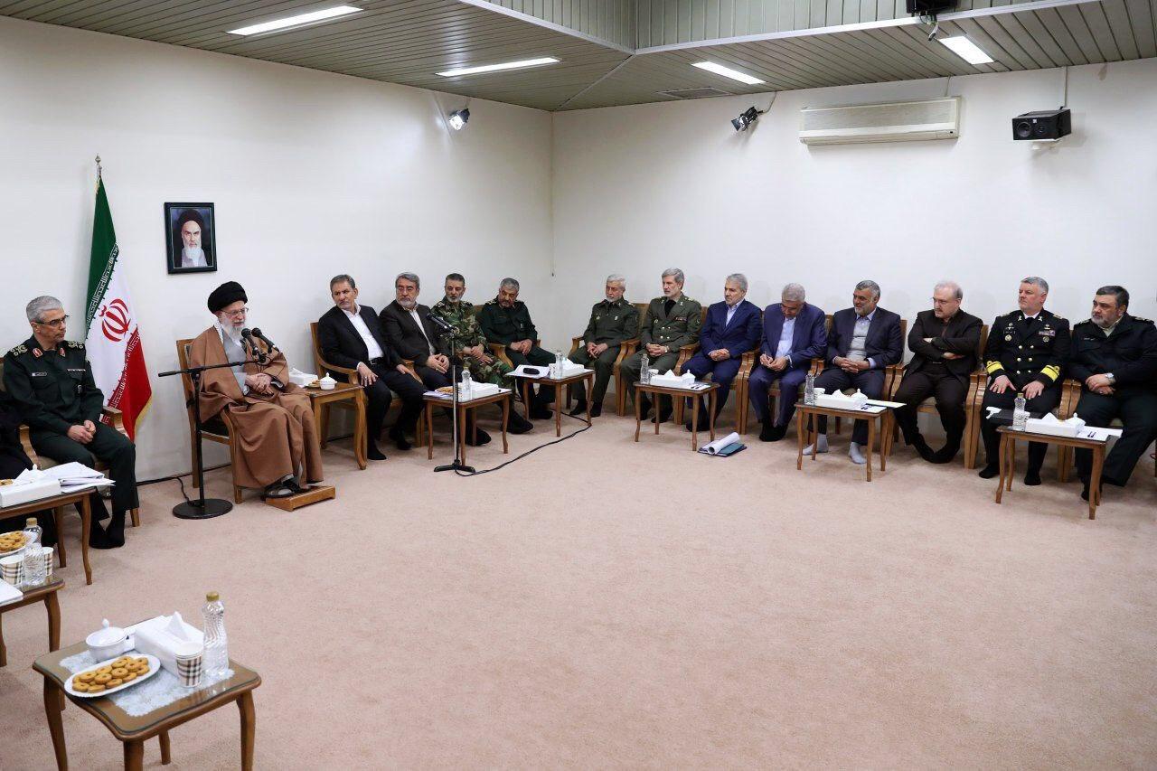 جلسه ویژه بررسی اقدامات و امدادرسانیها به استانهای سیلزدهی کشور در حضور آیتالله خامنهای