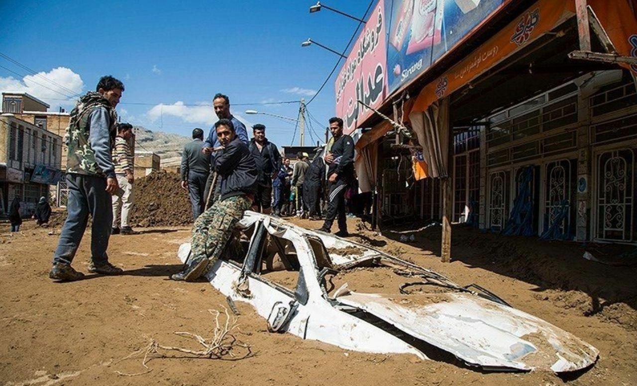 هلالاحمر: شایعه کشتهشدن تعدادی از مردم در سیل پلدختر صحت ندارد.