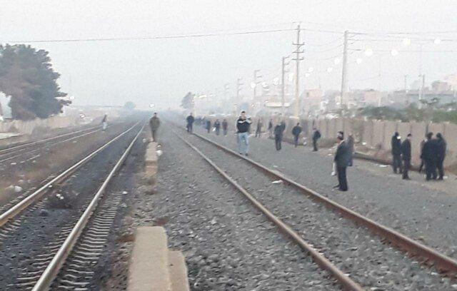 ریزش کوه قطار تهران-اهواز را متوقف کرد