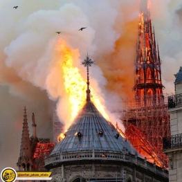 متاسفانه کلیسای نوتردام در آتش سوخت