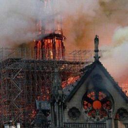 اتصال کوتاه برق عامل احتمالی آتشسوزی کلیسای نوتردام