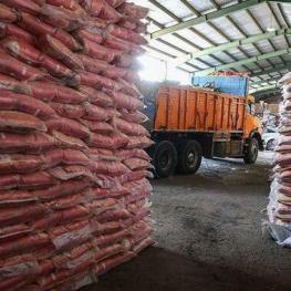 کشف ۱۳۰ هزار کیلو برنج نامرغوب و تقلبی در انبار یکی از فروشگاههای زنجیرهای!