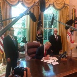 رئیسجمهور آمریکا  تحریمهای تازهای علیه ایران اعمال کرد