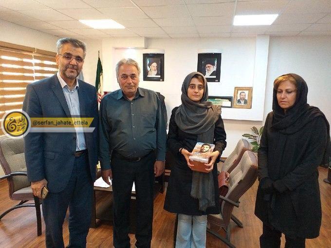 تصویر: دخترمسافر اسنپ به همراه خانواده اش با سعید عابد راننده اسنپ دوباره ملاقات و از وی عذرخواهی کرده است