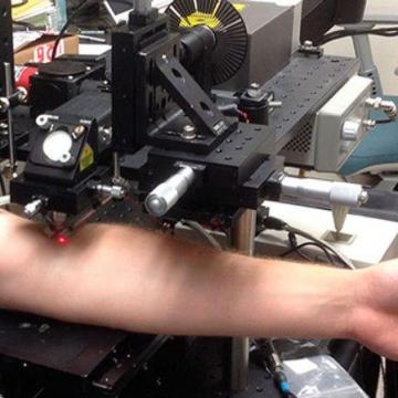یافتن و نابود ساختن سلول سرطانی با شلیک لیزر