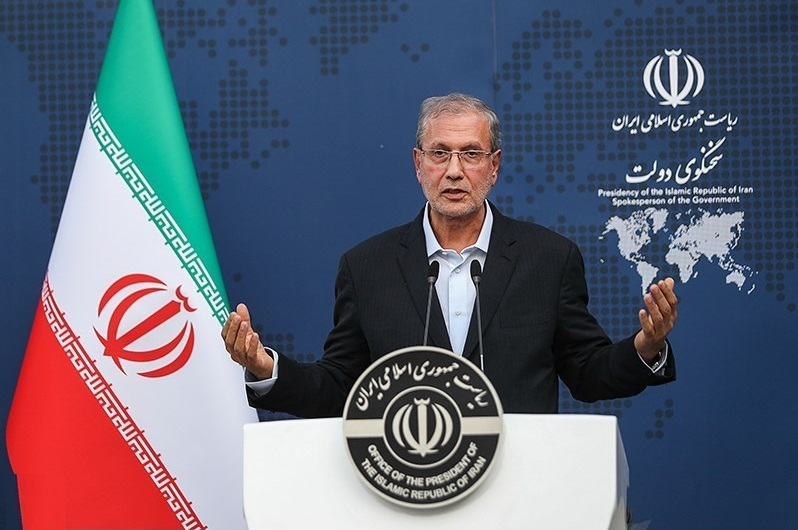 ربیعی: کرونا یک و نیم میلیون ایرانی را بیکار کرد