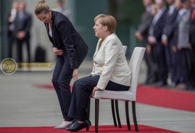صدراعظم آلمان بهصورت نشسته از نخستوزیر دانمارک استقبال کرد.