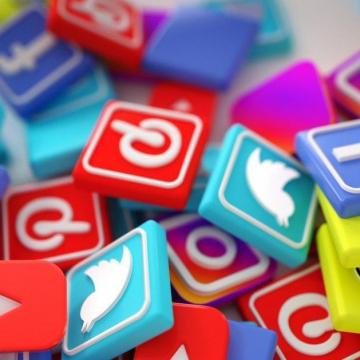 ۷۰ درصد مردم ایران حداقل از یکی از شبکههای اجتماعی مجازی استفاده میکنند