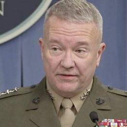 فرمانده نظامیان آمریکایی در منطقه: آمریکا ممکن است بیش از یک پهپاد ایرانی را سرنگون کرده باشد.