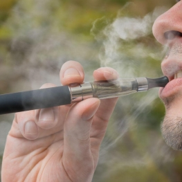 هشدارِ جدی WHO در مورد مضرات سیگار الکترونیک