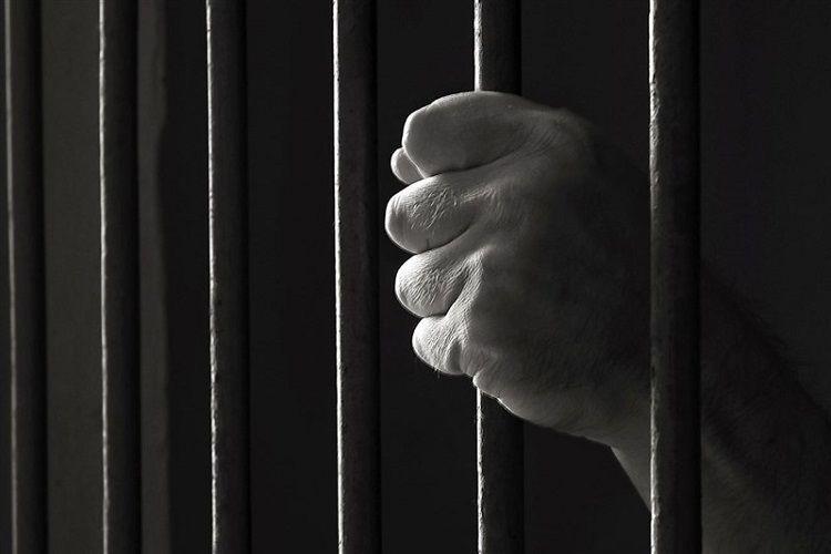 یک زن درویش از زندان آزاد شد