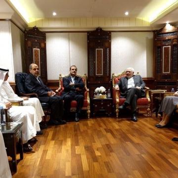 دیدار جمعی از اعضای انجمن دوستی ایران و کویت با ظریف