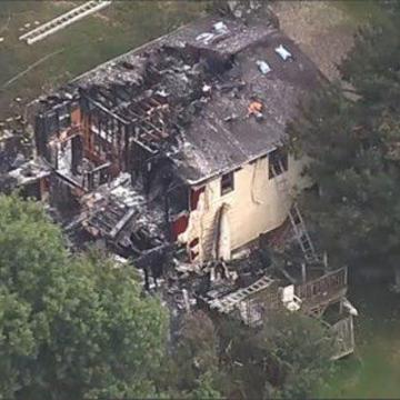 سقوط هواپیما روی خانهای در نیویورک تلفات بر جا گذاشت