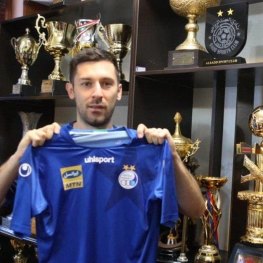 هروویه میلیچ  با قراردادی ۲ ساله رسماً به باشگاه استقلال پیوست