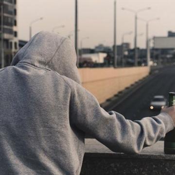 سازمان جهانی بهداشت: هر ۴۰ ثانیه یک نفر در جهان بر اثر خودکشی جان میبازد