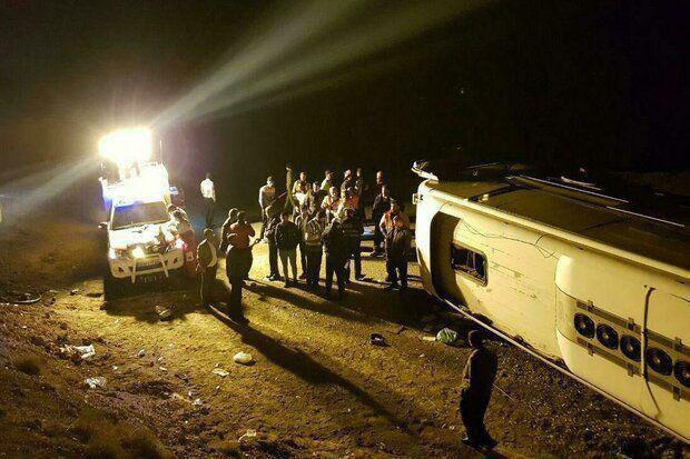 واژگونی اتوبوس در بزرگراه کرج – قزوین ۱۱ مجروح برجای گذاشت