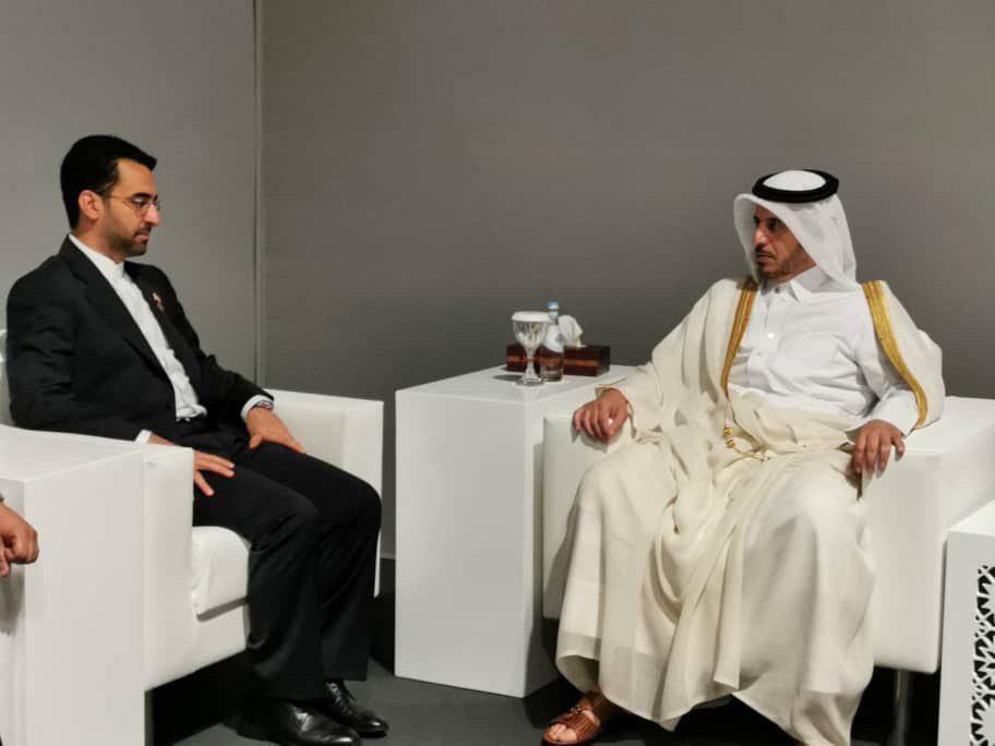 دیدار آذری جهرمی با نخستوزیر قطر