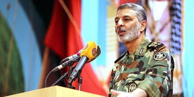 فرمانده کل ارتش: تا قطعات این پهپاد را کامل به دست نیاوریم نمیتوانیم هدف اصلی این پهپاد را مشخص کنیم.