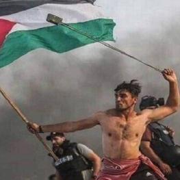 گاردین عکس تظاهرکننده فلسطینی را به عنوان عکس برتر ۲۰۱۹ انتخاب کرد