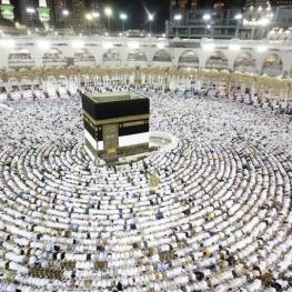گروهی برای انجام مقدمات حج ۹۹ به عربستان میرود