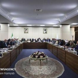 مجمع تشخیص مصلحت هیچ بحثی درباره گران شدن بنزین نداشته است