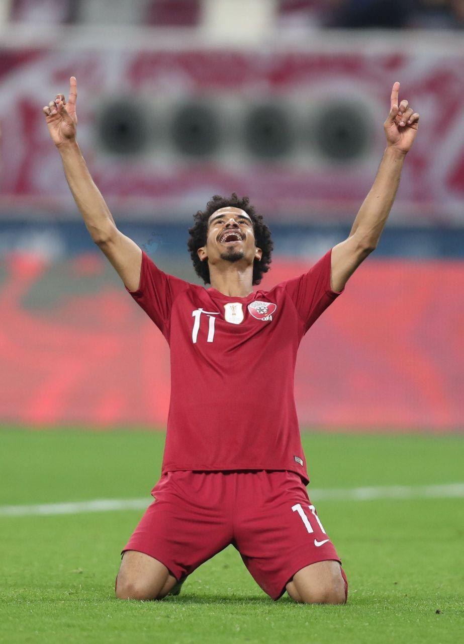 «اکرم عفیف»و توموآکی ماکینوجایزه برترین بازیکن فوتبال مردان سال AFC را دریافت کرد.