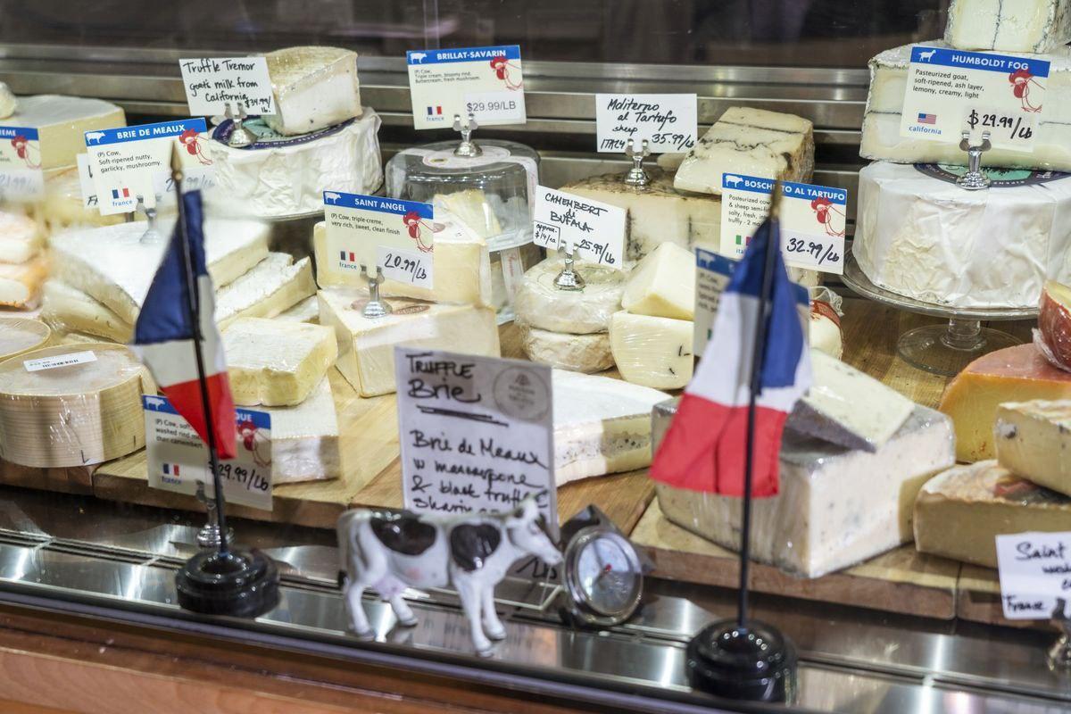 تهدید آمریکا به افزایش ۱۰۰ درصدی تعرفه گمرکی کالاهای فرانسوی