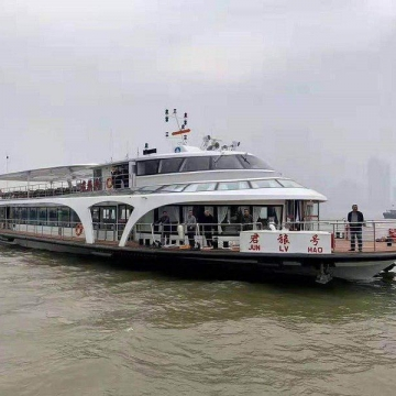 رونمایی از اولین کشتی مسافربری تمام برقی ساخت چین