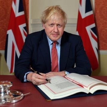 جانسون توافق برگزیت را امضاء کرد