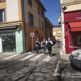 حمله با چاقو با فریاد «الله اکبر» در فرانسه؛ دستکم دو نفر کشته شدند