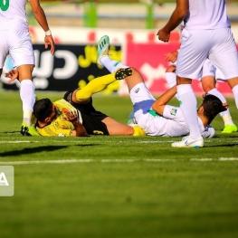 مسابقات تیمهای با ۵ بازیکن کرونایی به تعویق میافتد