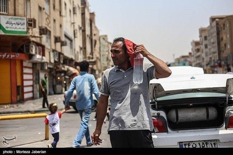 کاهش ساعات کار ادارات و بانکهای خوزستان
