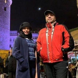 مانی رهنما، خواننده پاپ به ترکیه مهاجرت کرد