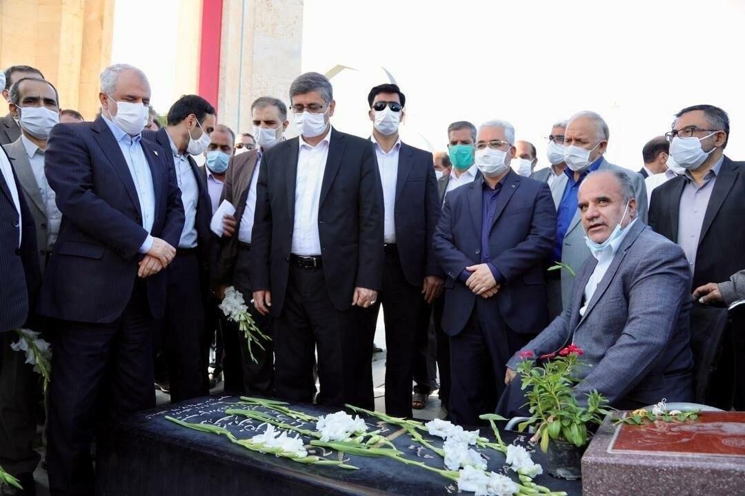 مطالبات ایثارگران تا پایان دولت پرداخت میشود