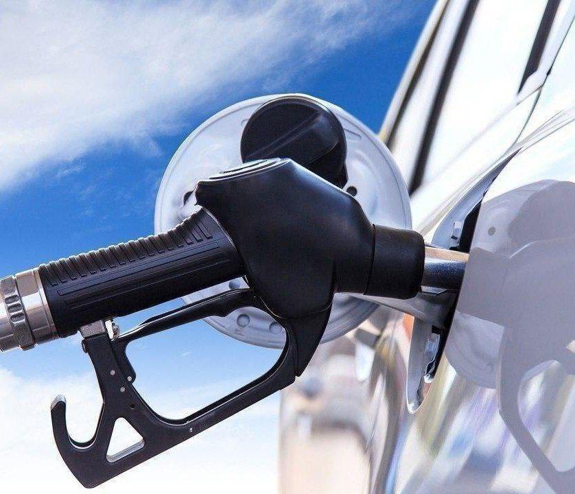 طرح سهمیه بندی بنزین از خودرو به خانوار تصویب نشده است