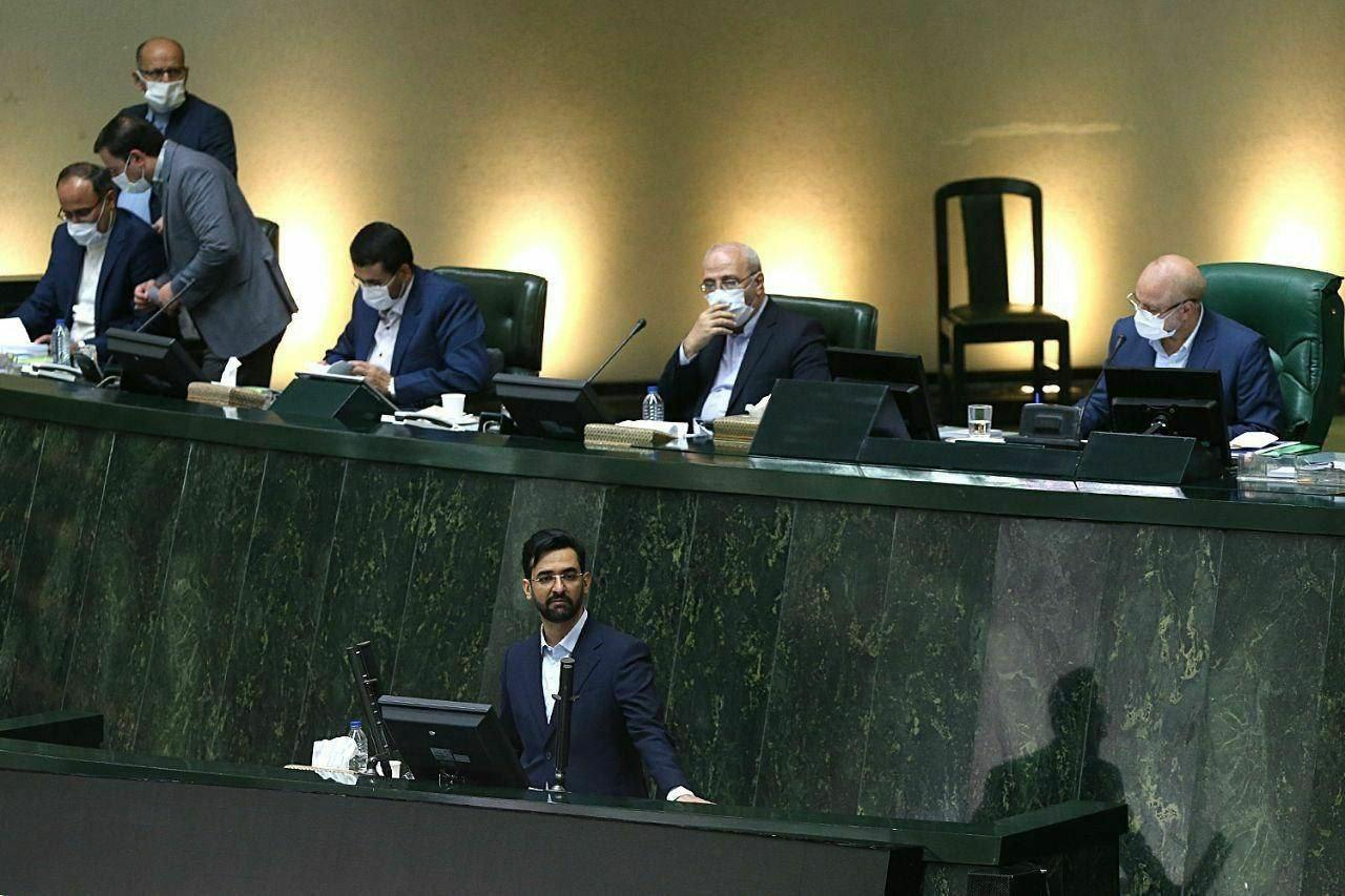 دیدار آذری جهرمی با قالیباف پس از طرح مجلس برای انسداد شبکههای اجتماعی خارجی
