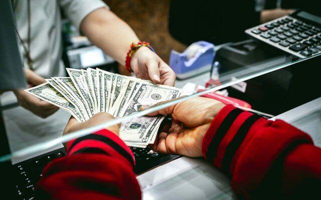 محدودیت خرید و فروش ارز در صرافیها برداشته شد