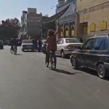 دستگیری دختر دوچرخهسوار در نجفآباد اصفهان