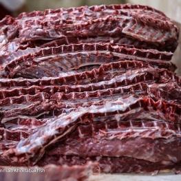 نرخ هر کیلو شقه گوسفندی به ۱۳۵ هزار تومان رسید / کمبود دام علت اصلی گرانی گوشت