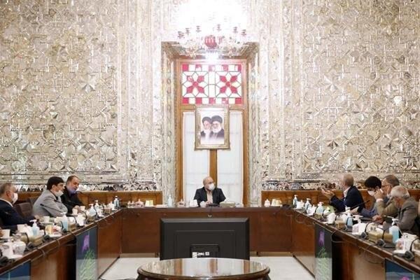توافق دولت و مجلس برای تامین منابع کالاهای اساسی و اجرای کامل همسانسازی حقوق بازنشستگان کشوری