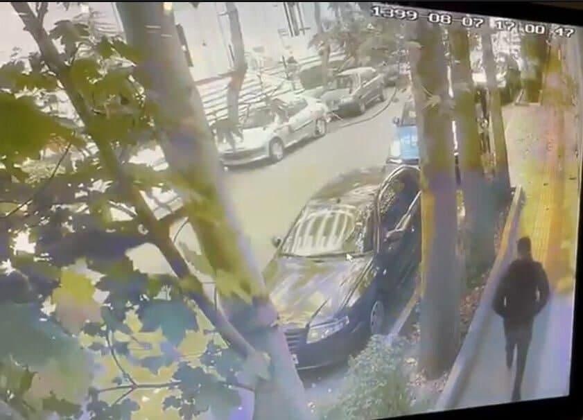 سارقان گردنبند طلای علی دایی دستگیر شدند