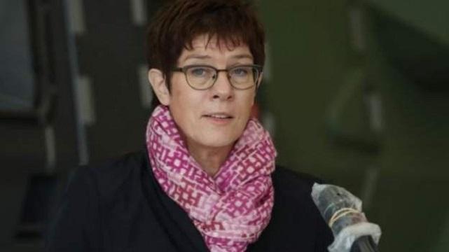 هشدار وزیر دفاع آلمان درباره وضعیت در آمریکا
