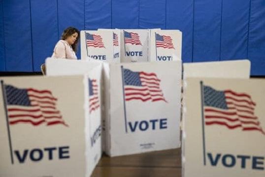 مجری فاکسنیوز فهرستی از افراد متوفی که رای دادهاند، منتشر کرد