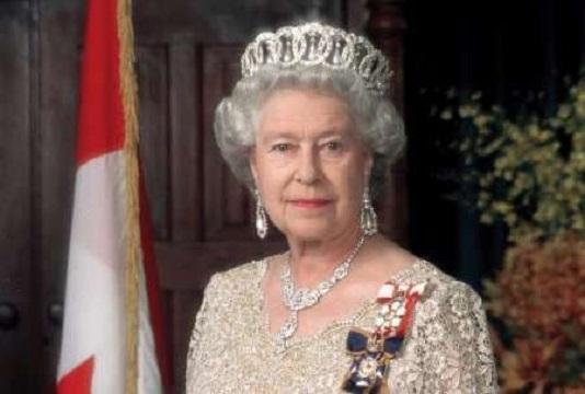 ملکه در اولویت دوم تعیین نوبت دریافت واکسن کرونا دربریتانیا
