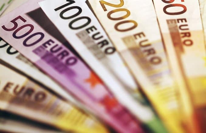 حداکثر ارز همراه مسافر برای خروج ۵ هزار و برای ورود ۱۰ هزار یورو است