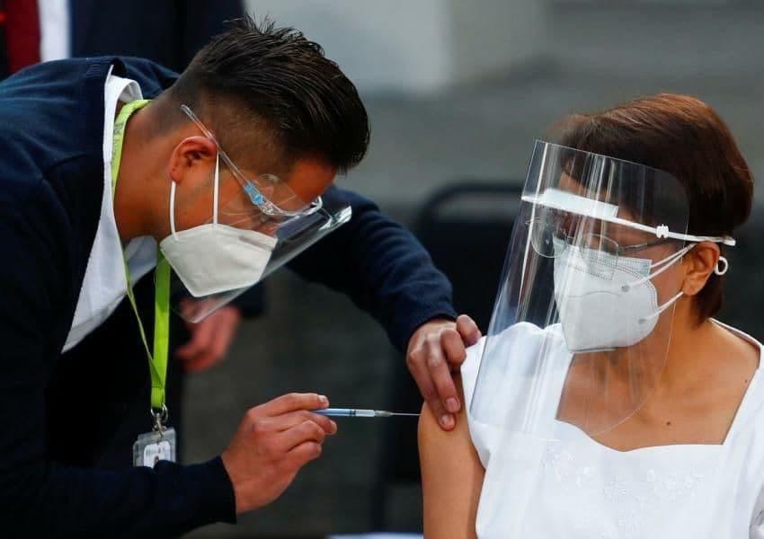 ادامه واکسیناسیون کرونا در نقاط مختلف جهان و هشت کشور منطقه